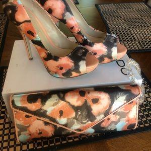 Heels and handbag set. 😇